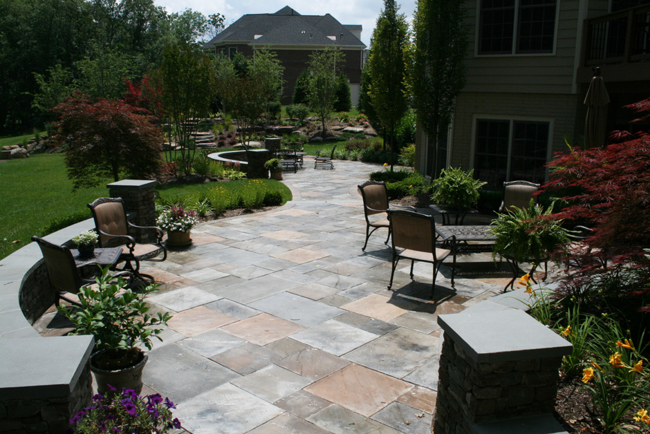 Flagstone patio in Leesburg, VA